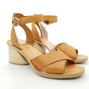 Dolce Vita Roman Flared Stacked Heel Sandal Sz 6
